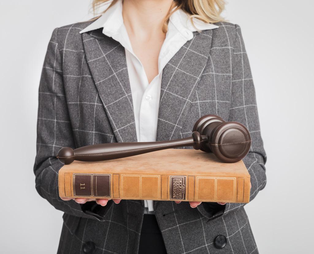 carina-silva-2-consultoria-advocacia